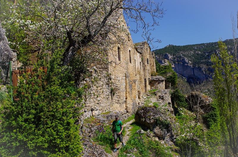 Aveyron Sauveterre Eglazines randonnée