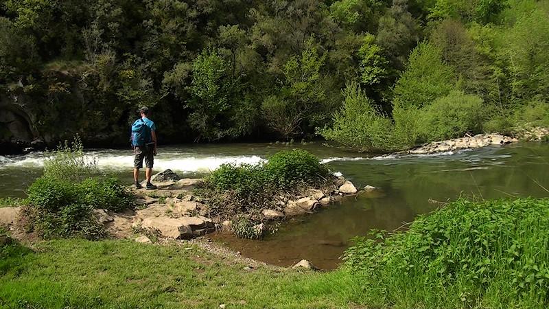 Najac randonnée au bord de l'Aveyron