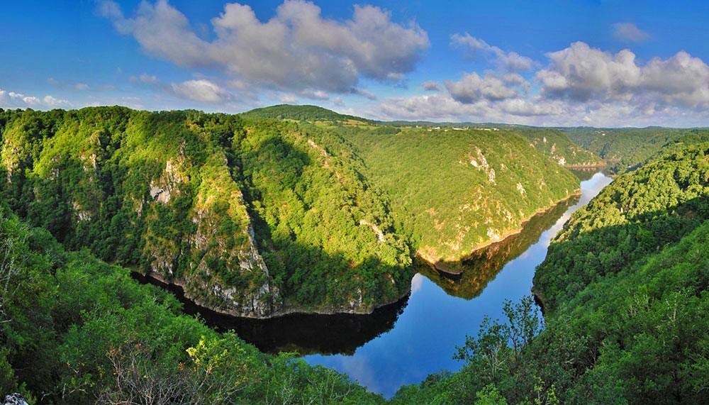La Corrèze ou la promesse de superbes paysages à vous faire découvrir. Ici, le site de Saint-Nazaire (crédit photo : Corrèze Tourisme)